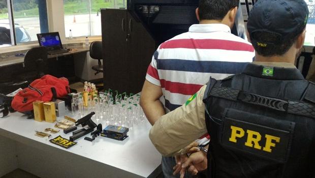Comerciante da 44 é preso com arma e drogas na BR-153