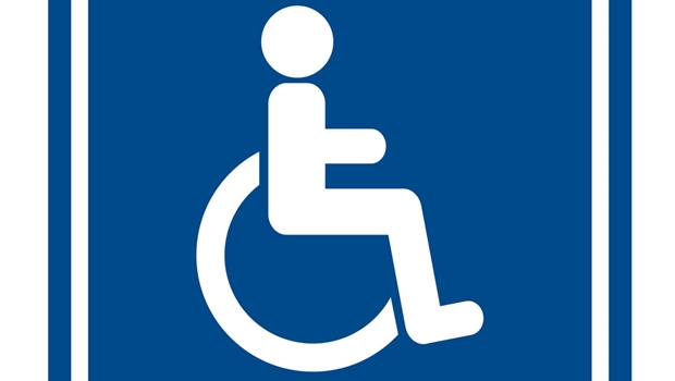Detran-GO entrega primeira CNH E para pessoa com deficiência