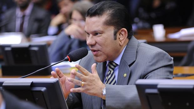 Sandes Júnior pode assumir secretaria extraordinária no governo de Goiás