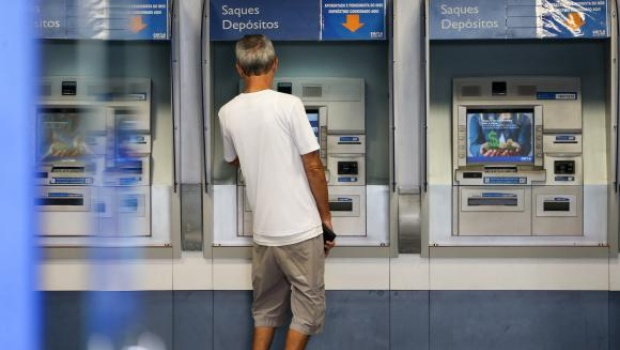 Caixa antecipa pagamentos do saque imediato do FGTS, confira novo calendário