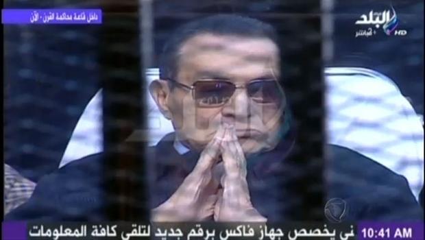 Após seis anos detido, ex-presidente egípcio Hosni Mubarak está em liberdade