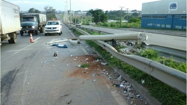 Acidentes em rodovias goianas deixam 30 feridos e dois mortos no final de semana