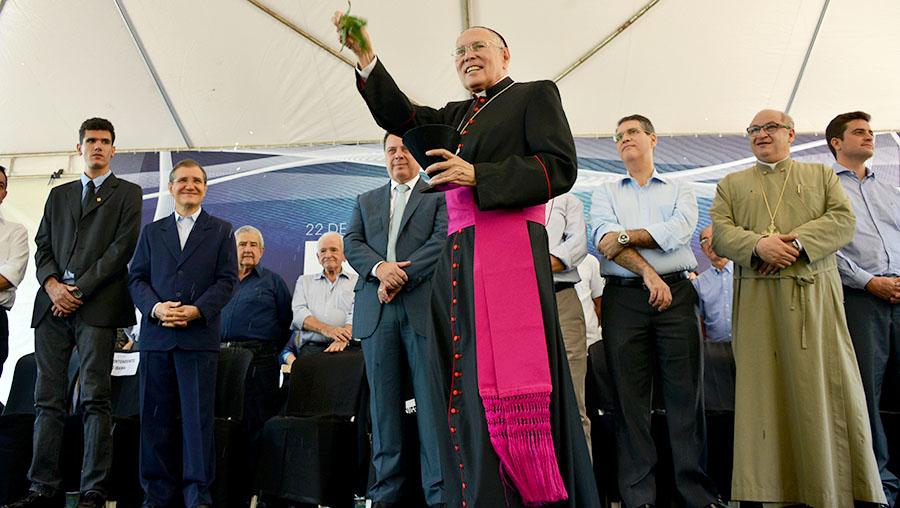 Os dois bispos que são cotados para substituir dom Washington em Goiânia