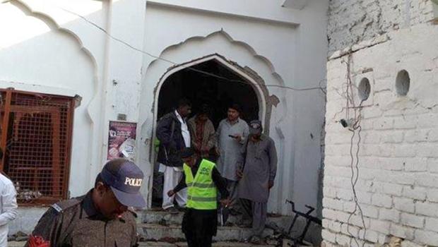 Atentado com carro-bomba no Paquistão deixa pelo menos 22 mortos