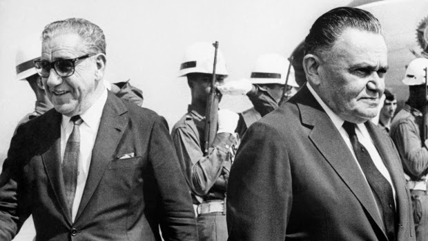 """Há 50 anos, o Regime Militar elegia o seu segundo presidente e a """"linha dura"""" ocupava o poder"""