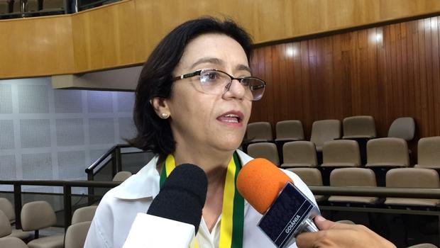 """Fátima Mrué admite """"situação caótica"""" na Saúde em Goiânia"""