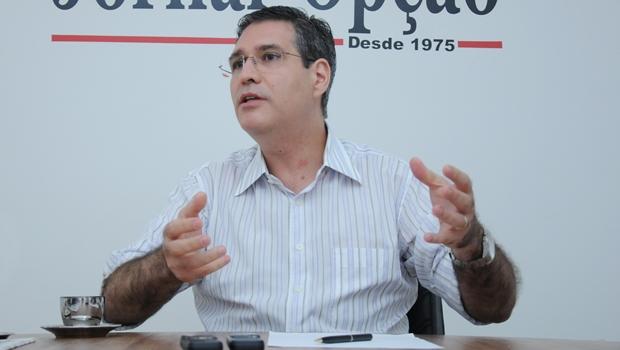 Francisco Júnior diz que o eleitor tem a chance de renovar o país ou de manter o status quo