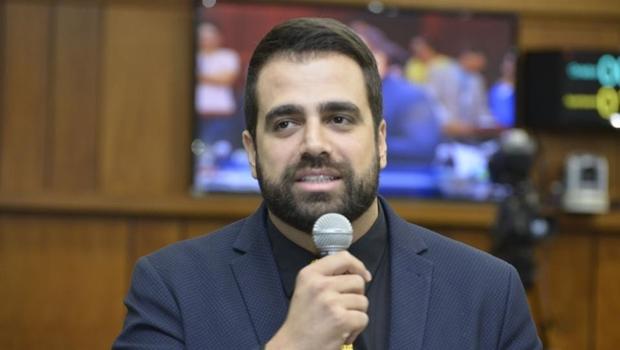 Apesar da pressão de Adib Elias, Gustavo Sebba amplia base eleitoral e aposta em reeleição