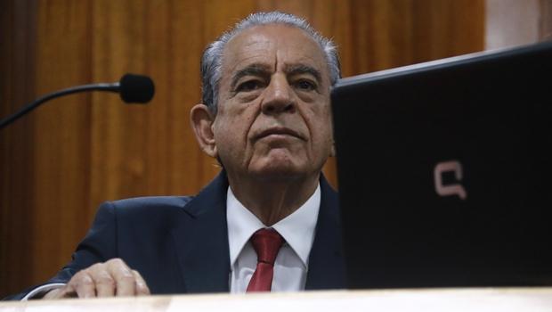 Ex-secretário sugere que Iris Rezende vai atrasar salário de servidores municipais