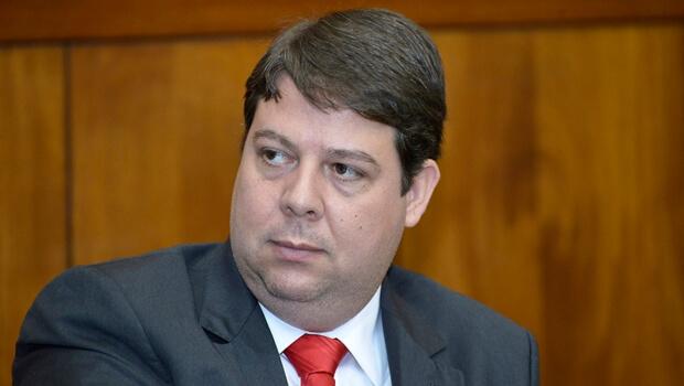 TJ-GO nega ação do PT e mantém mandato do deputado Karlos Cabral