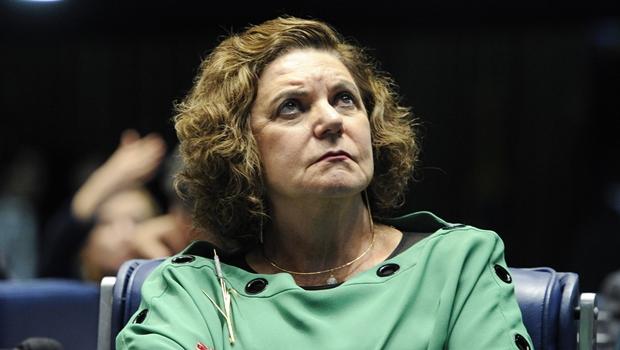 Rebelião no PSB e no PPS pode levar Lúcia Vânia a permanecer na base governista