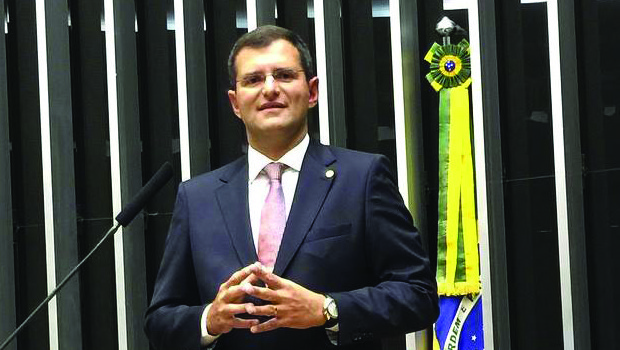 """Tucanos dizem que Marcos Abrão é um """"fio desencapado"""""""
