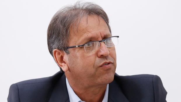 Marcelo Miranda reluta sobre reeleição