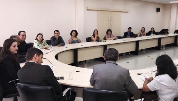 Comissão de Educação compila série de reivindicações ao prefeito Iris Rezende