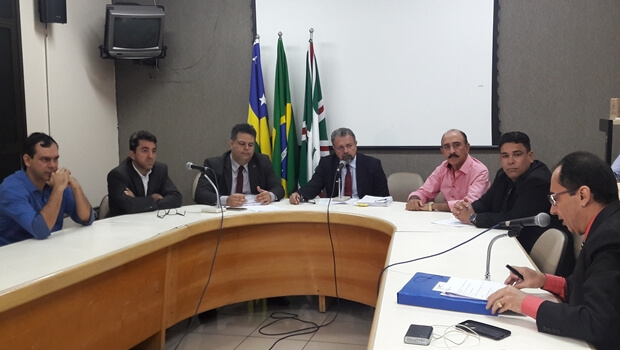 CEI convocaservidores da SMT para esclarecer irregularidades emcompra de cavaletes