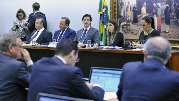 Comissão aprova texto principal da reforma trabalhista. Veja principais mudanças