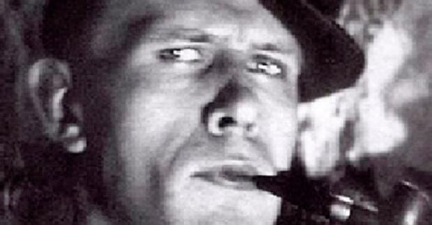 O russo Daniil Kharms é precursor da literatura do absurdo. Ionesco, Beckett e Camus são seus filhos