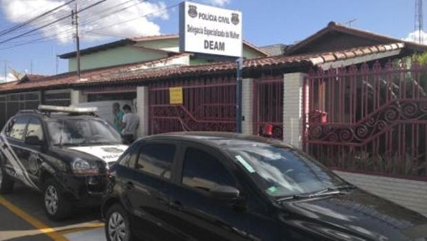 Médico é preso acusado de abusar sexualmente de pacientes dentro de consultório