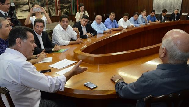 Marconi reúne deputados da base em almoço no Palácio das Esmeraldas