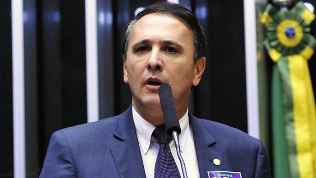 """Gaguim """"estranha"""" lobby contra a PEC Amastha"""
