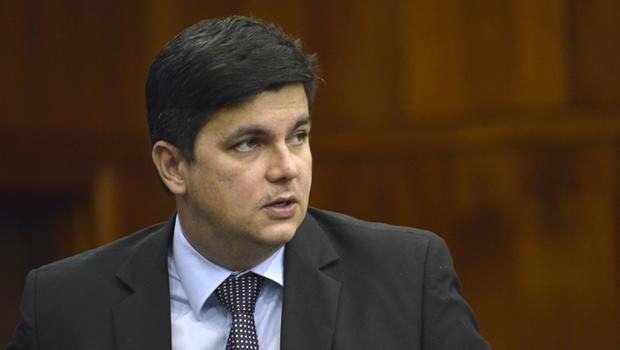 Jean Carlo vai disputar mandato de deputado federal pelo PSDB ou pelo PP. Não fica no PHS
