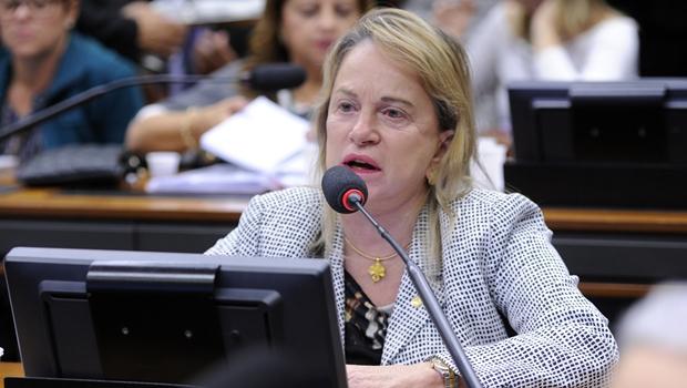 Deputada goiana defende reforma da Previdência após alterações no relatório