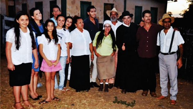 """Na base da """"moedinha"""", filme sobre Padre Pelágio retomará gravações"""