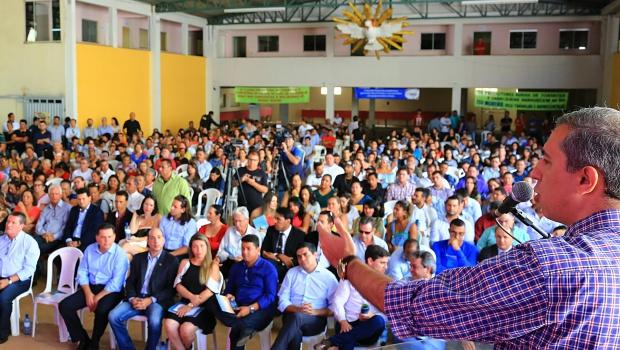 Em Uruaçu, José Eliton anuncia R$ 422 milhões para Norte goiano