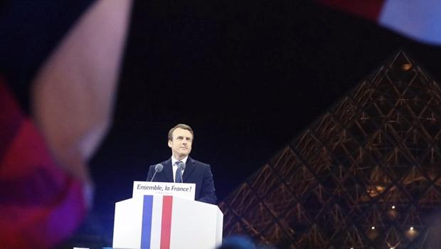 Com ampla vantagem, Macron é eleito presidente da França