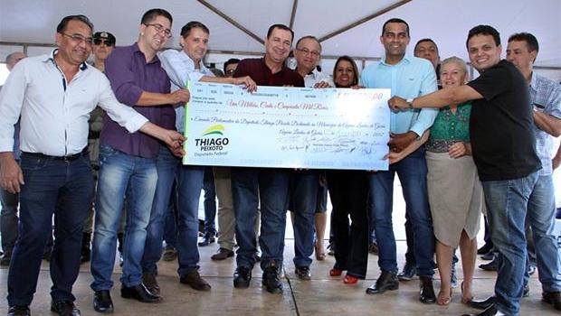Águas Lindas recebe mais de R$1 milhão em emendas parlamentares de Thiago Peixoto