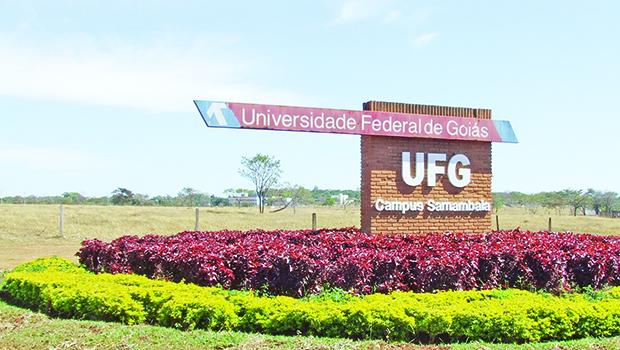 Em Goiânia, trabalhadores e estudantes de instituições federais de ensino realizam ato contra cortes