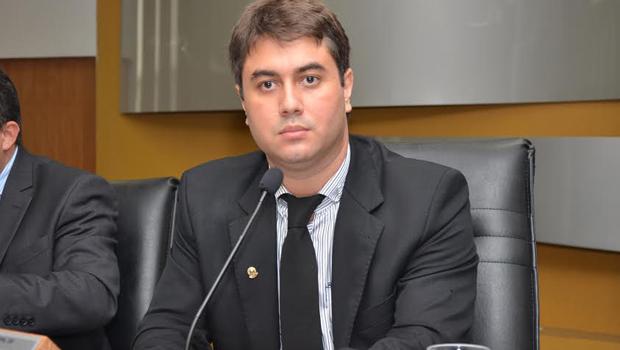Câmara de Palmas e Estado proíbem cortes de  água e luz em véspera de finais de semana e feriados