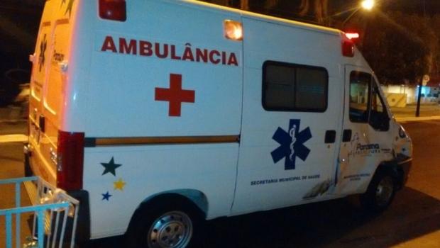 Motociclista morre ao bater em ambulância que levava paciente em Goiânia
