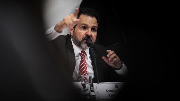 Justiça anula condenação de Agnelo