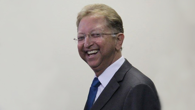 Assembleia de Deus retira candidatura de Eurípedes do Carmo e reafirma apoio a João Campos