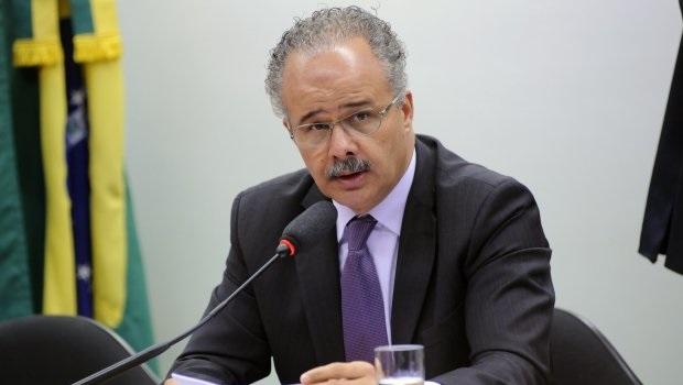 Deputado quer barrar prisão de candidatos até 8 meses antes de eleição