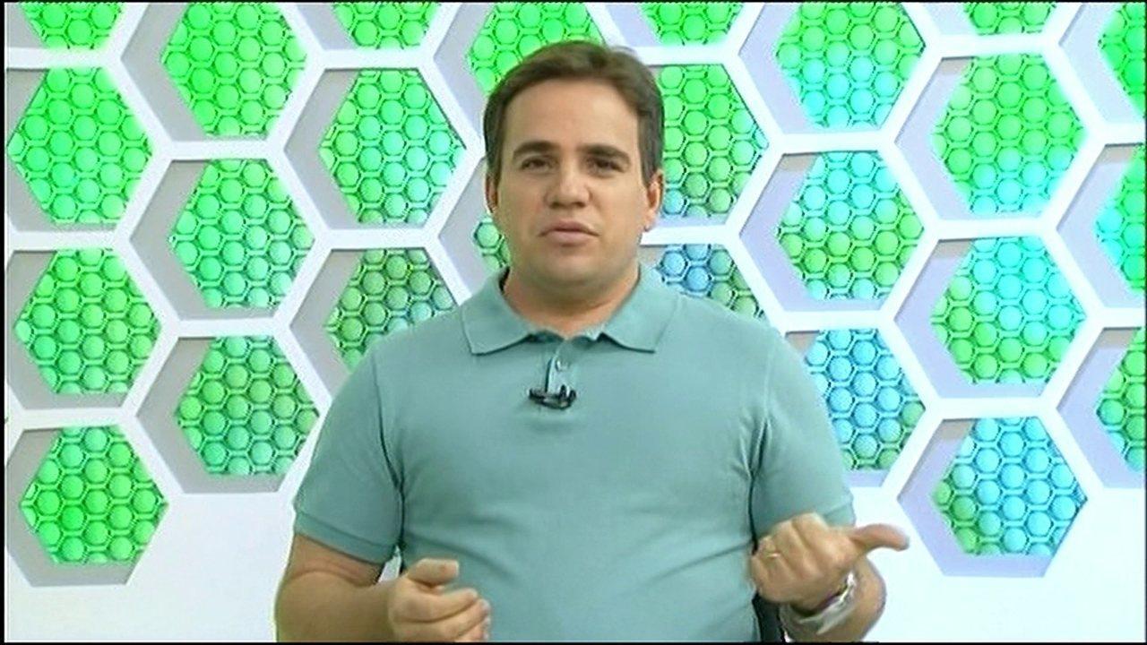 Repórter de afiliada da Globo interrompe comentário e abre espaço pra outra equipe. Veja vídeo