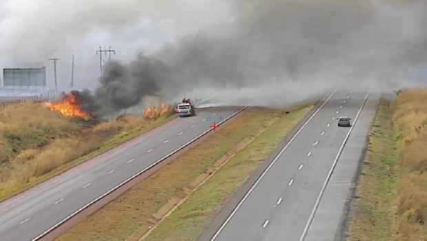 Triunfo libera BR-153, mas incêndio ainda não foi controlado