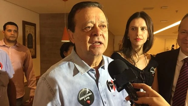 """""""Querem fazer eleição socialista em um país capitalista"""", critica Jovair Arantes"""