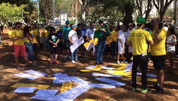 Ato contra corrupção reúne poucos manifestantes em Goiânia