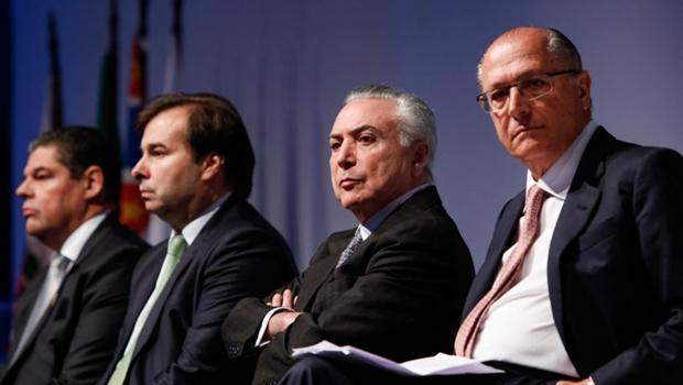 Após alta nos combustíveis, Temer admite aumentar Imposto de Renda