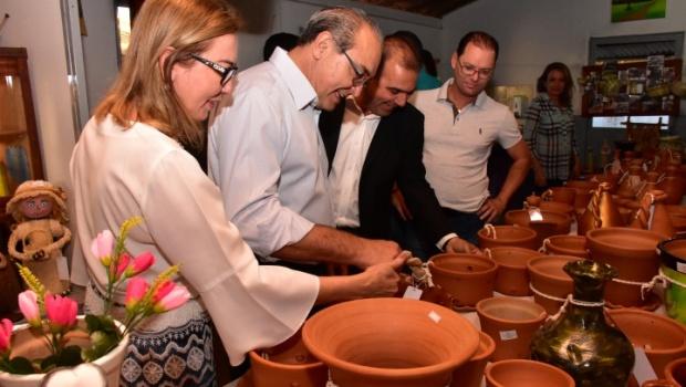 Em Trindade, Jânio inaugura Casa do Artesão e anuncia novas obras