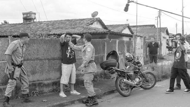Notícias de uma guerra particular goianiense