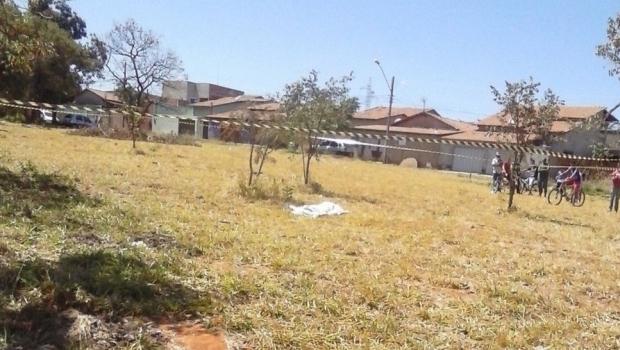 Adolescente é encontrada morta em Goiânia com corte na garganta