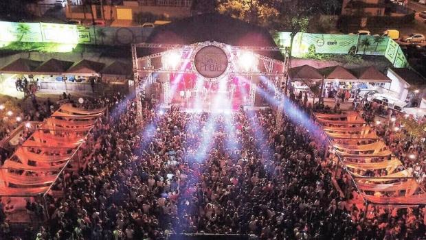 """Um mês após último evento, prefeitura cassa licença do """"Deu Praia"""" no setor Marista"""