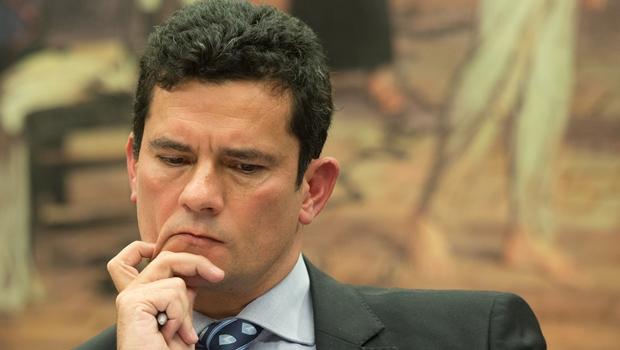Após polêmica, Moro diz que recebe auxílio-moradia para compensar falta de reajuste