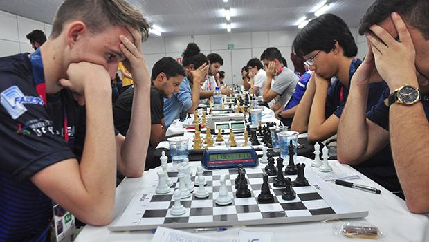Jânio Darrot abre os Jogos Universitários Brasileiros em Trindade