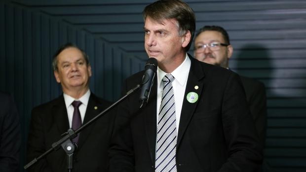 Marqueteiros de Trump avaliam Bolsonaro como ruim e negam campanha para brasileiro