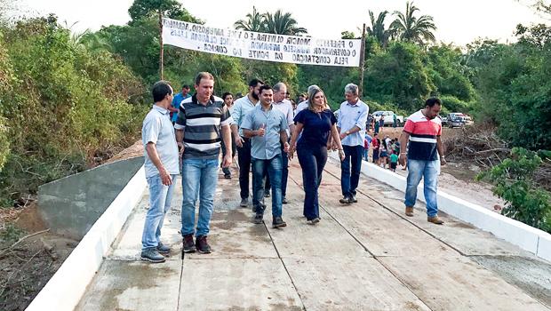 Ponte e benefícios na região de Rio dos Bois