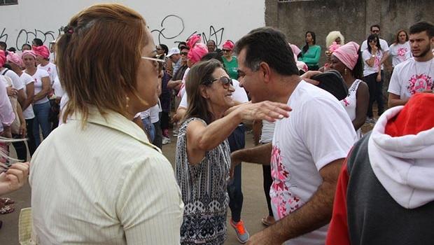 Momento cívico dá início ao outubro rosa em Cidade Ocidental